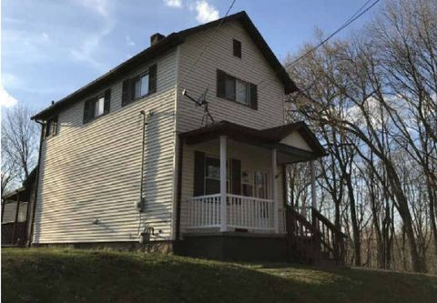 Photo of 229 N Scott St, New Castle, PA 16101