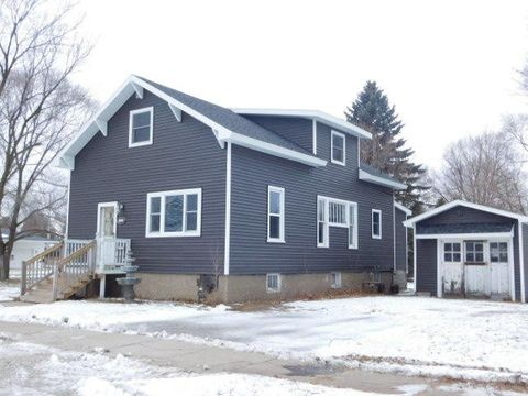 1512 17th Ave, Menominee, MI 49858