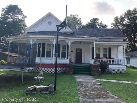 Photo of 107 Church St, Red Springs, NC 28377