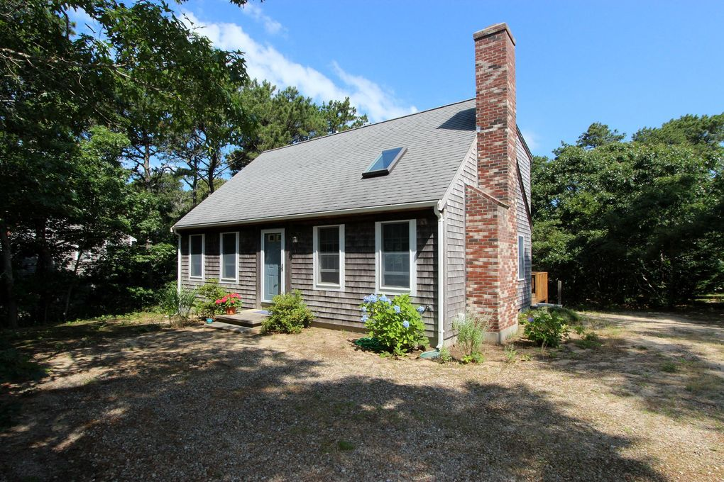 825 Great Pond Rd Eastham, MA 02642