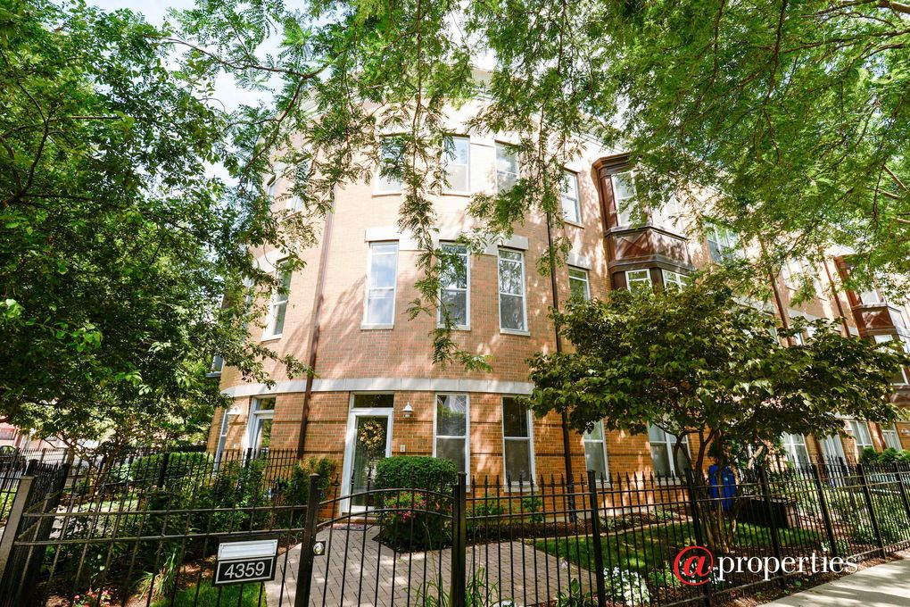 4359 N Campbell Ave Chicago, IL 60618