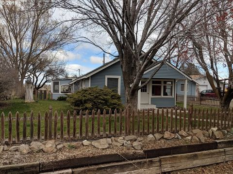 Photo of 3950 Campbell St, Baker City, OR 97814