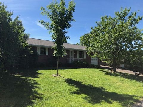 Photo of 514 Paradise St, Greenville, KY 42345