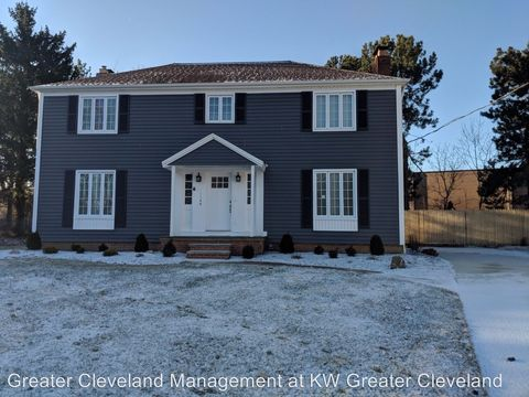 Photo of 1148 Whittlesay Ln, Rocky River, OH 44116