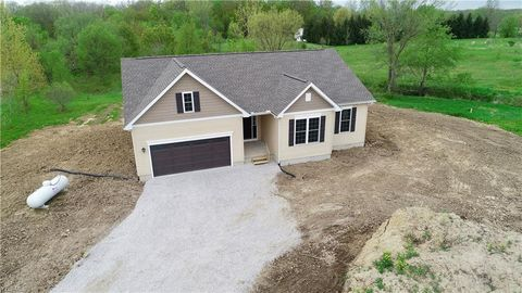 Photo of 6512 Lake Rd, Medina, OH 44256