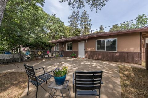 Photo of 4174 Oro Ln, El Dorado, CA 95623