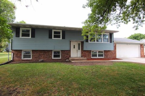 Photo of 1402 14th St, Orion, IL 61273