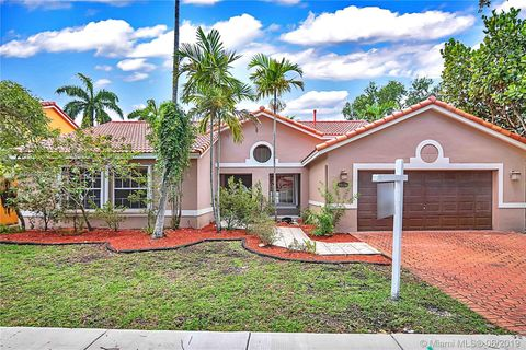 Photo of 8826 Nw 194th Ter, Hialeah, FL 33018