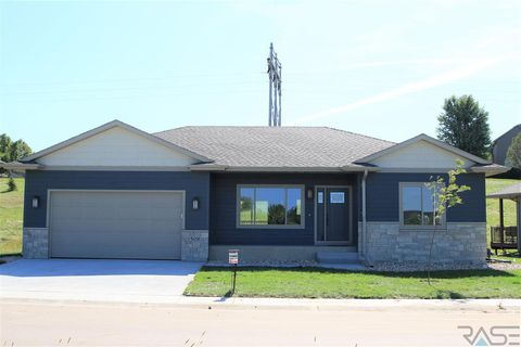 Photo of 508 N Woodland Ct, Brandon, SD 57005