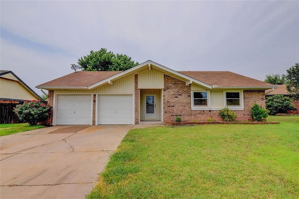 613 SW 25th St Moore, OK 73160