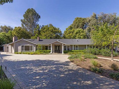 308 Blue Oak Ln, Los Altos, CA 94022