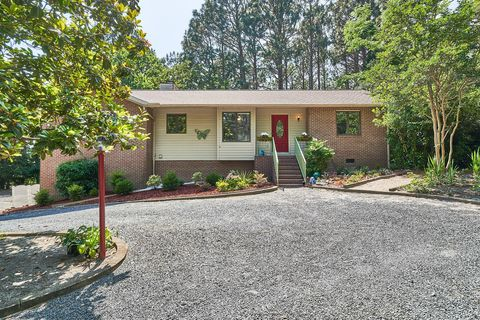 Photo of 12 Sandpiper Dr, Whispering Pines, NC 28327
