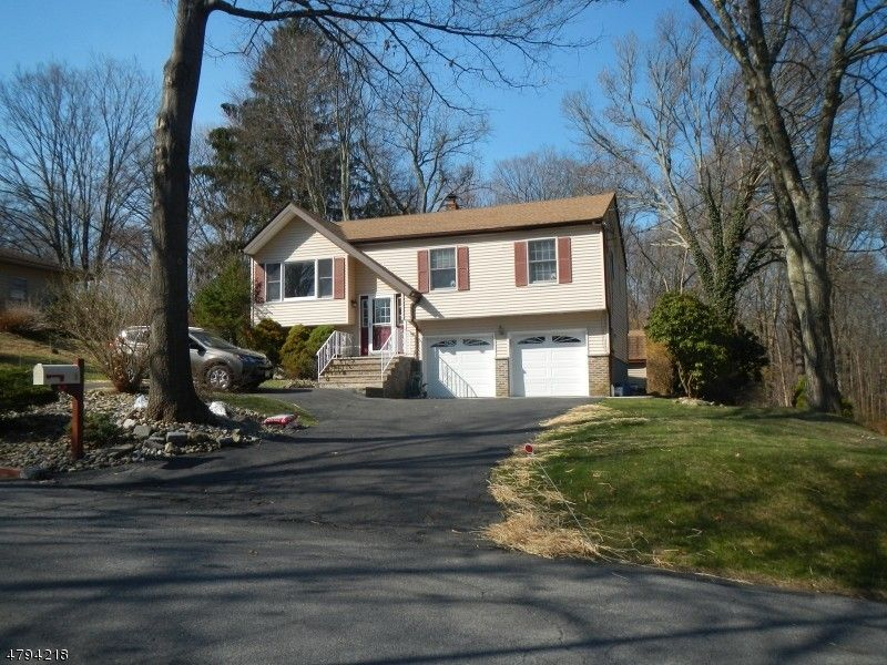 6 Francis Ter, Byram Township, NJ 07874