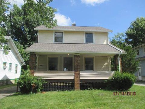 Photo of 916 Sherwood Ave, Youngstown, OH 44511