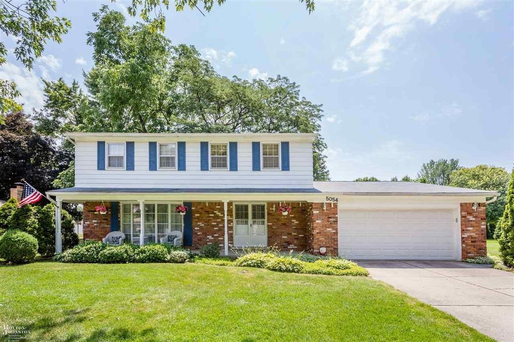 5054 Woodberry Dr Shelby Twp, MI 48316
