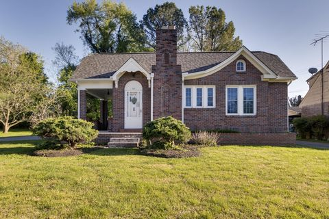 Photo of 614 3rd Ave W, Springfield, TN 37172