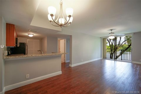 Photo of 10709 Cleary Blvd Apt 208, Plantation, FL 33324