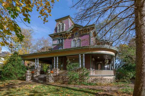 Photo of 710 Park Ave, South Bend, IN 46616