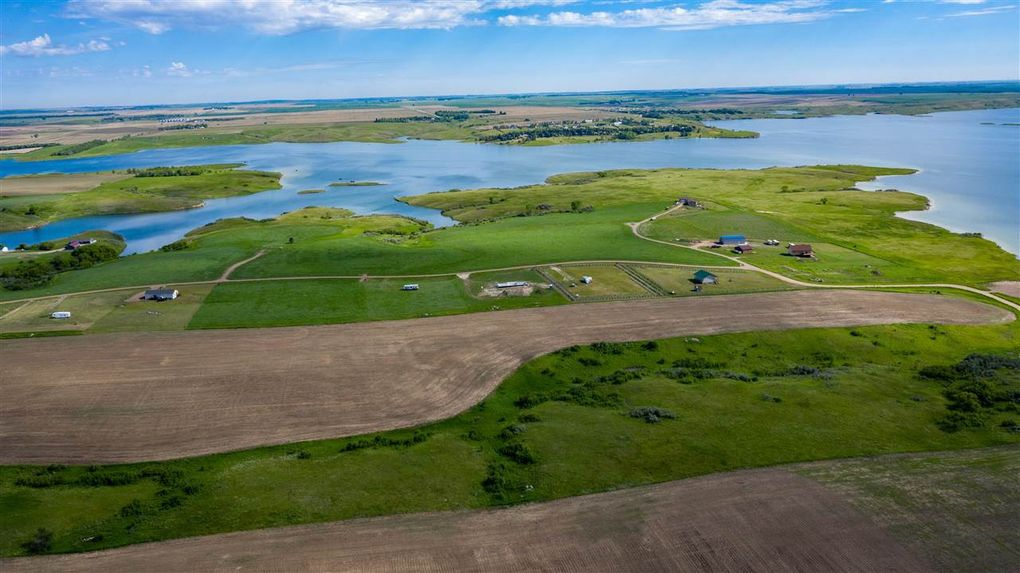 Seclusion Bay Development Lot 12 Garrison, ND 58540