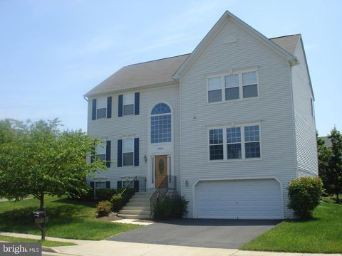 Photo of 15705 Marbury Heights Way, Dumfries, VA 22025