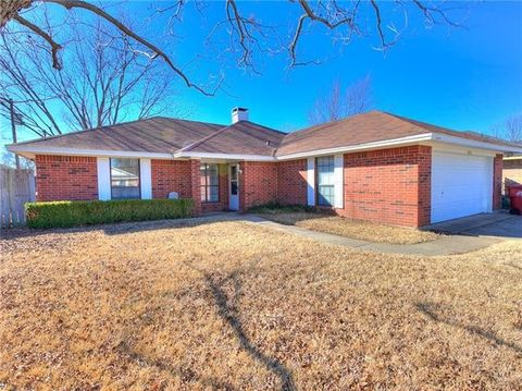 905 Oak Grove Ln, Royse City, TX 75189