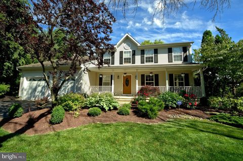 Photo of 6 Lilac Ter, Robbinsville, NJ 08691