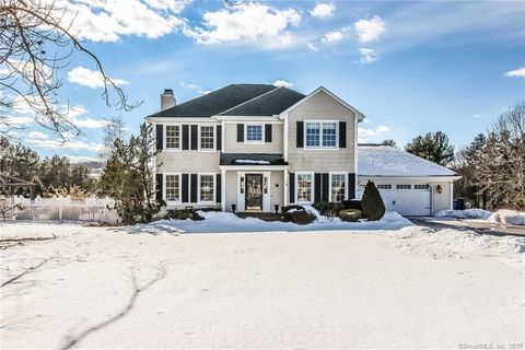 Photo of 18 Longmeadow Dr, Pomfret, CT 06259