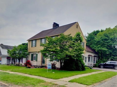 Photo of 42 Seneca Ave, Altoona, PA 16602