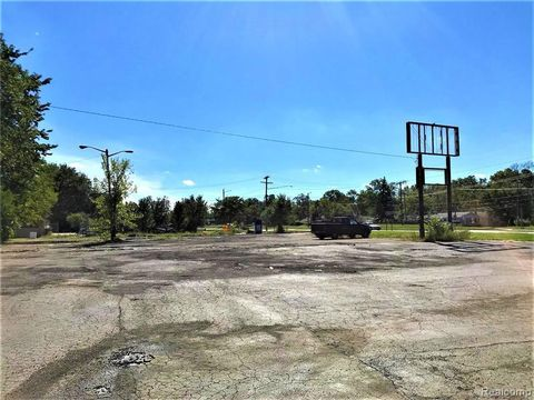 Photo of 16512 Telegraph Rd, Detroit, MI 48219