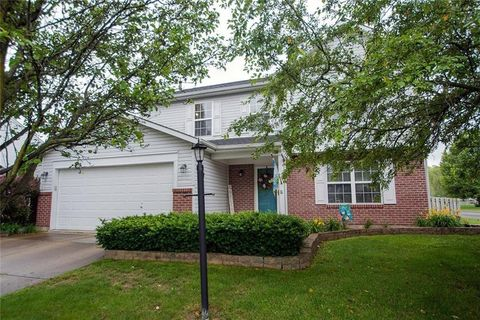 Photo of 8941 Woodlark Dr, Fishers, IN 46038