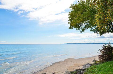 Photo of 7415 N Beach Dr, Fox Point, WI 53217