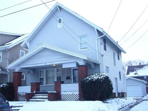 Photo of 324 Bedford Ave Nw, Canton, OH 44708
