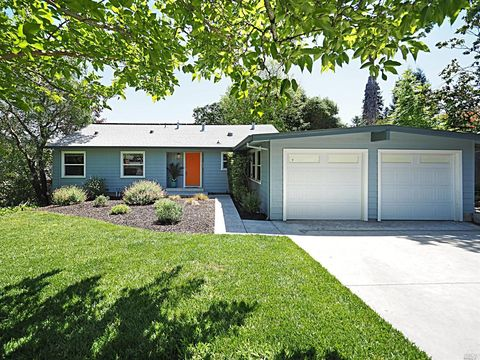 Photo of 1106 Crest Dr, Santa Rosa, CA 95404