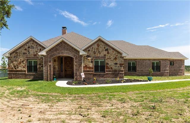 560 Carter Rd, Springtown, TX 76082