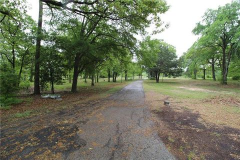 Photo of 390 Vz County Road 3826, Wills Point, TX 75169