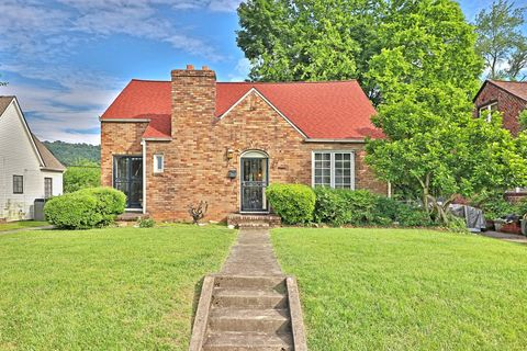 Photo of 1527 Fairmont Blvd, Knoxville, TN 37917