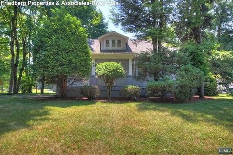 Photo of 49 Tappan Rd, Harrington Park, NJ 07640