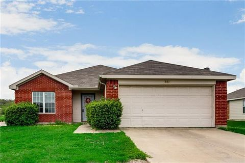 Photo of 801 Canyon Cove Dr, Burleson, TX 76028