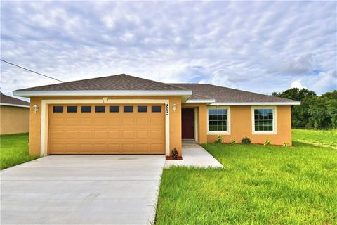 Photo of 893 C F Kinney Rd, Lake Wales, FL 33859