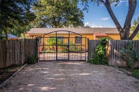 Photo of 3000 Michoacan Dr, Del Valle, TX 78617