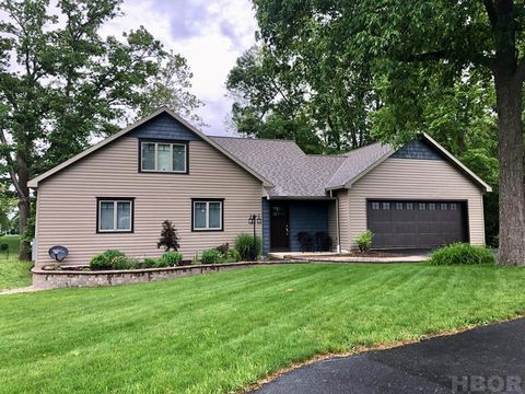 Photo of 235 E South Trl, Tiffin, OH 44883