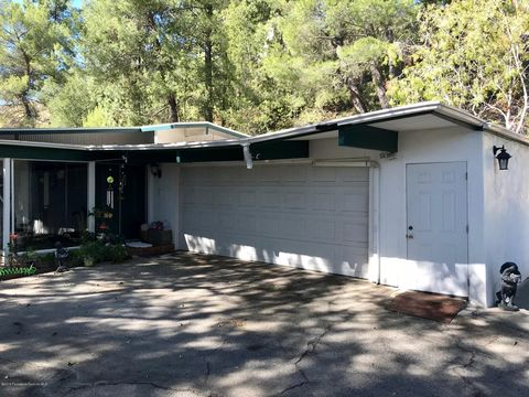 Photo of 5399 Harter Ln, La Canada Flintridge, CA 91011