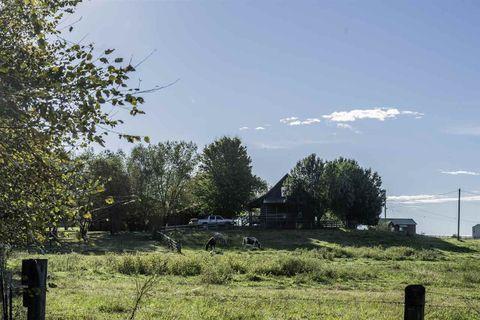 Photo of 765 Bucks Pocket Rd Se, Old Fort, TN 37362