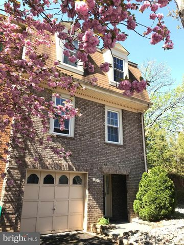 Photo of 25 Ritchfield Ct, Rockville, MD 20850