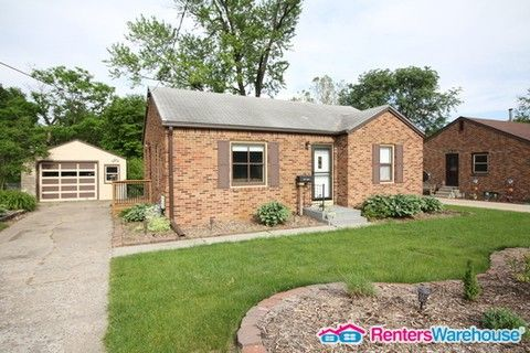 Photo of 401 19th St, West Des Moines, IA 50265