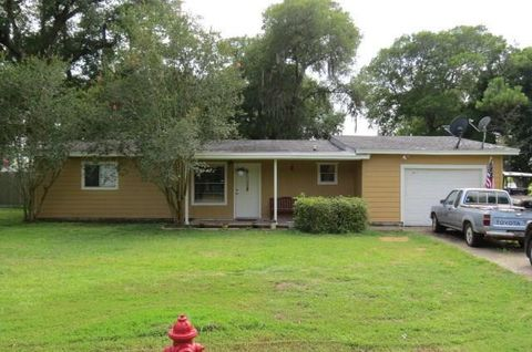 Photo of 2617 Duncan Dr, Oyster Creek, TX 77541