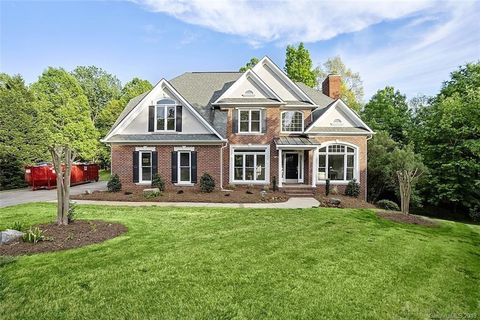 Photo of 4833 Titleist Dr, Charlotte, NC 28277