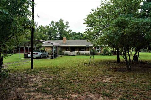 Photo of 315 County Road 1103, Maud, TX 75567