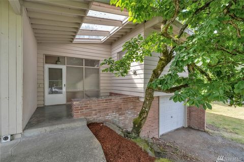 Photo of 14205 Se 38th St, Bellevue, WA 98006