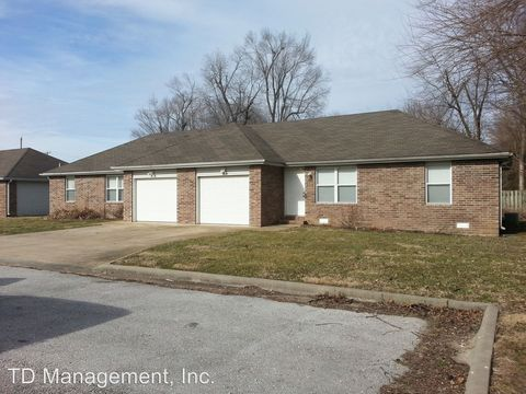 Photo of 301 Greystone Ave, Buffalo, MO 65622